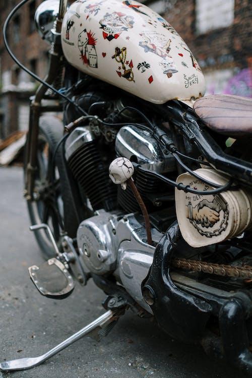 Immagine gratuita di acciaio, auto, bicicletta