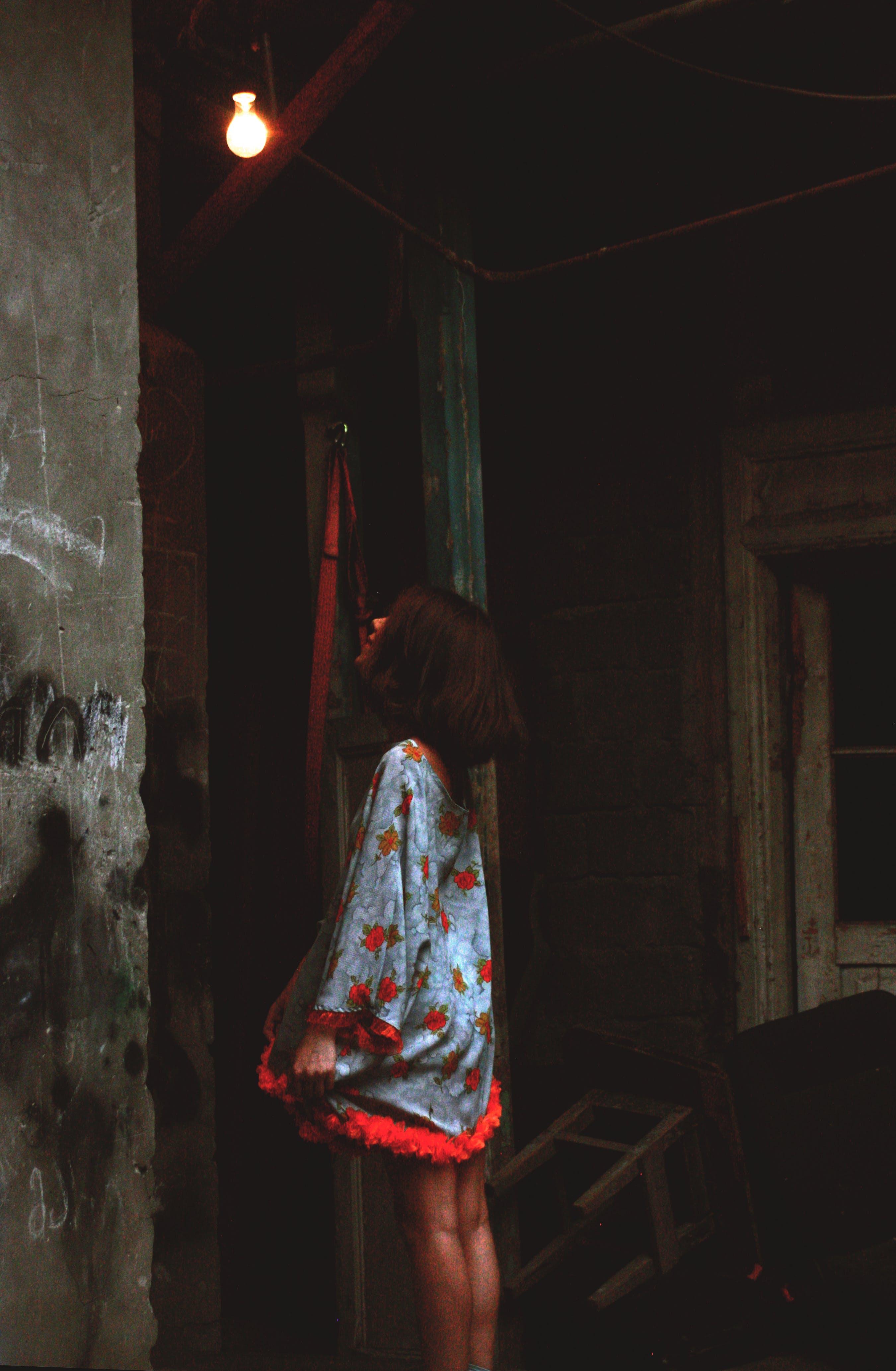 Foto d'estoc gratuïta de abandonat, adult, art, bombeta