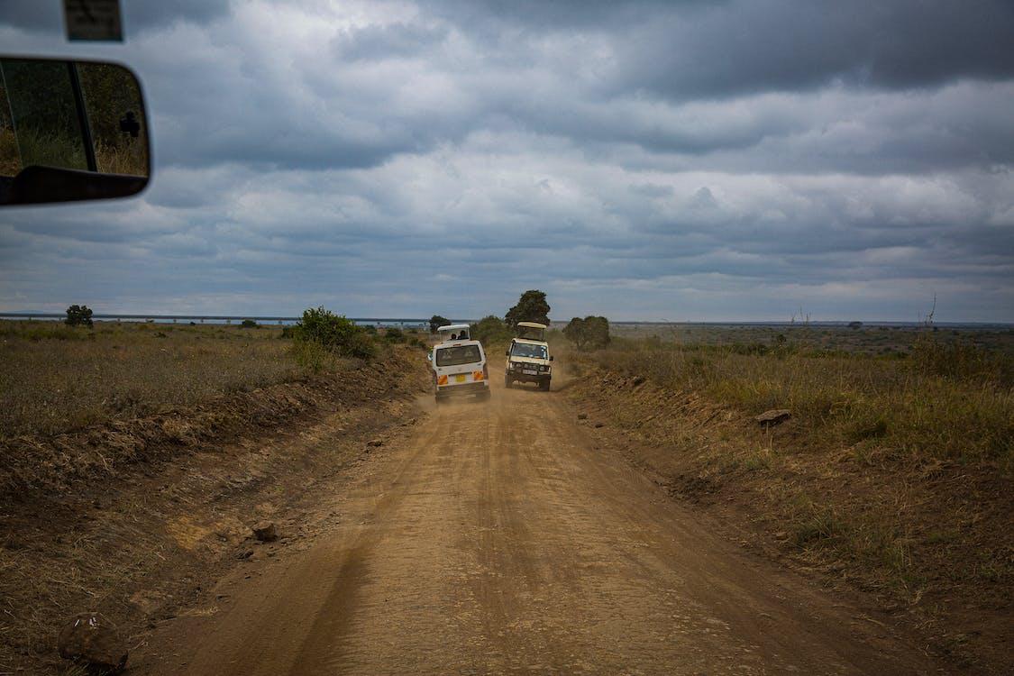 Бесплатное стоковое фото с автомобиль, буря, грузовик