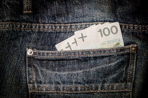 Kostenloses Stock Foto zu denim, finanzen, geld, jeans