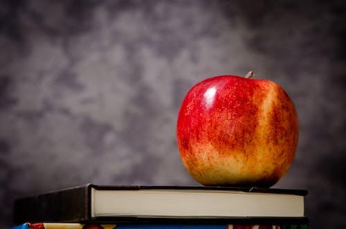 Darmowe zdjęcie z galerii z apple, jabłko, jedzenie, makro