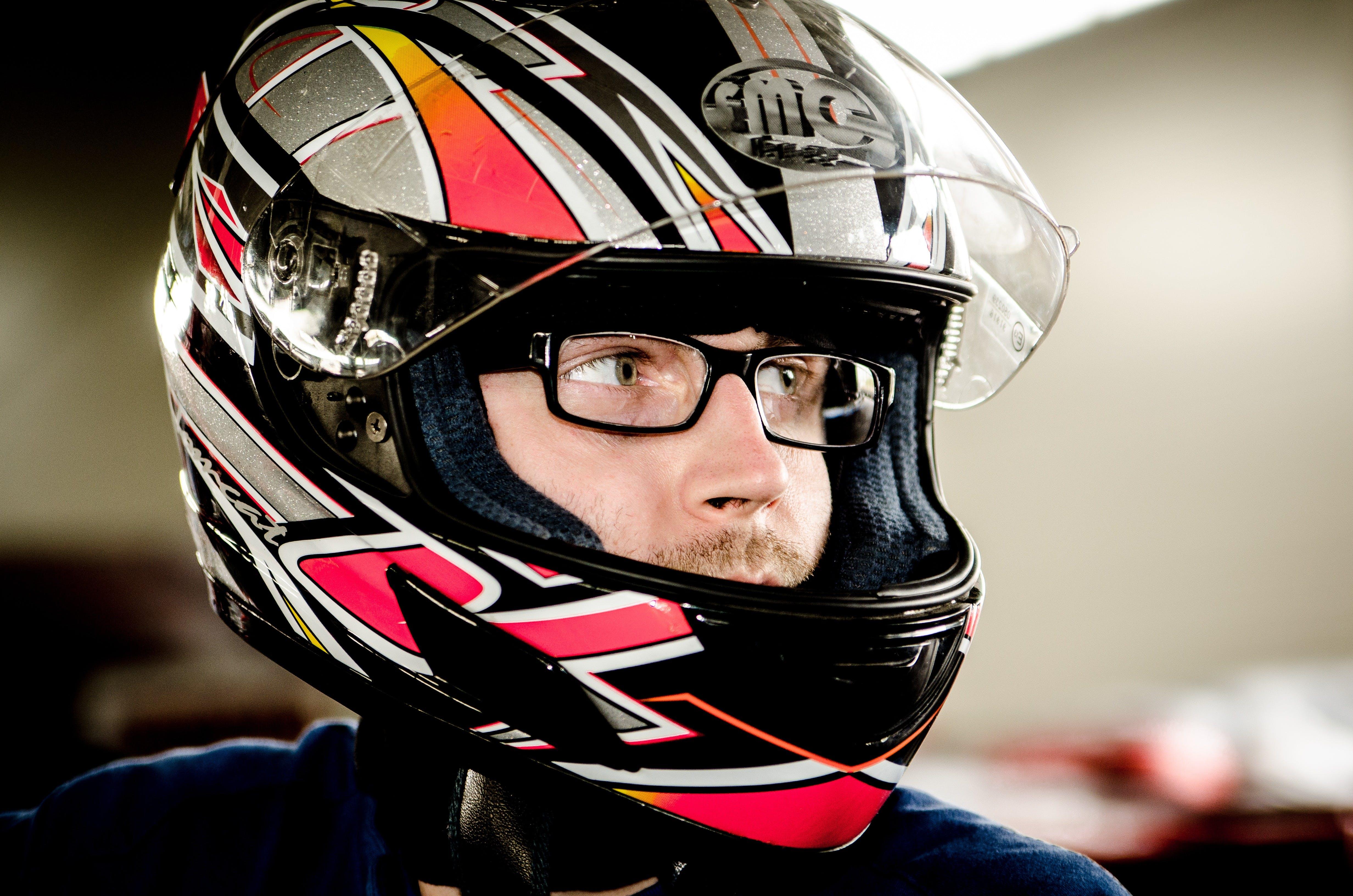 Základová fotografie zdarma na téma bezpečnost, brýle, dioptrické brýle, helma