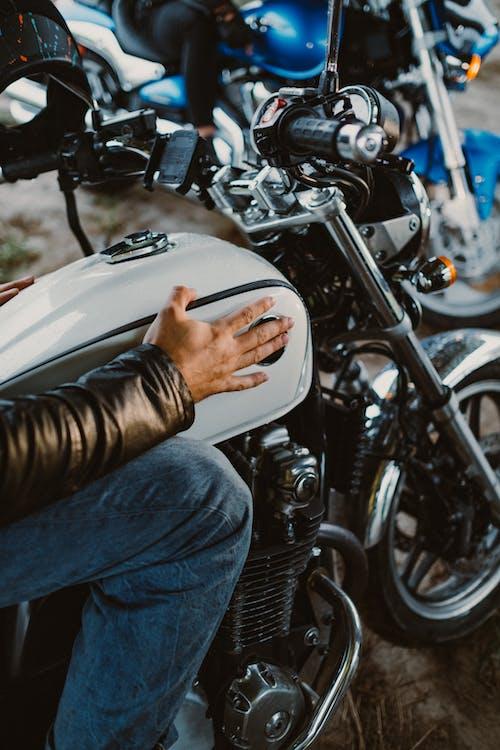 남자, 라이더, 모터바이크의 무료 스톡 사진