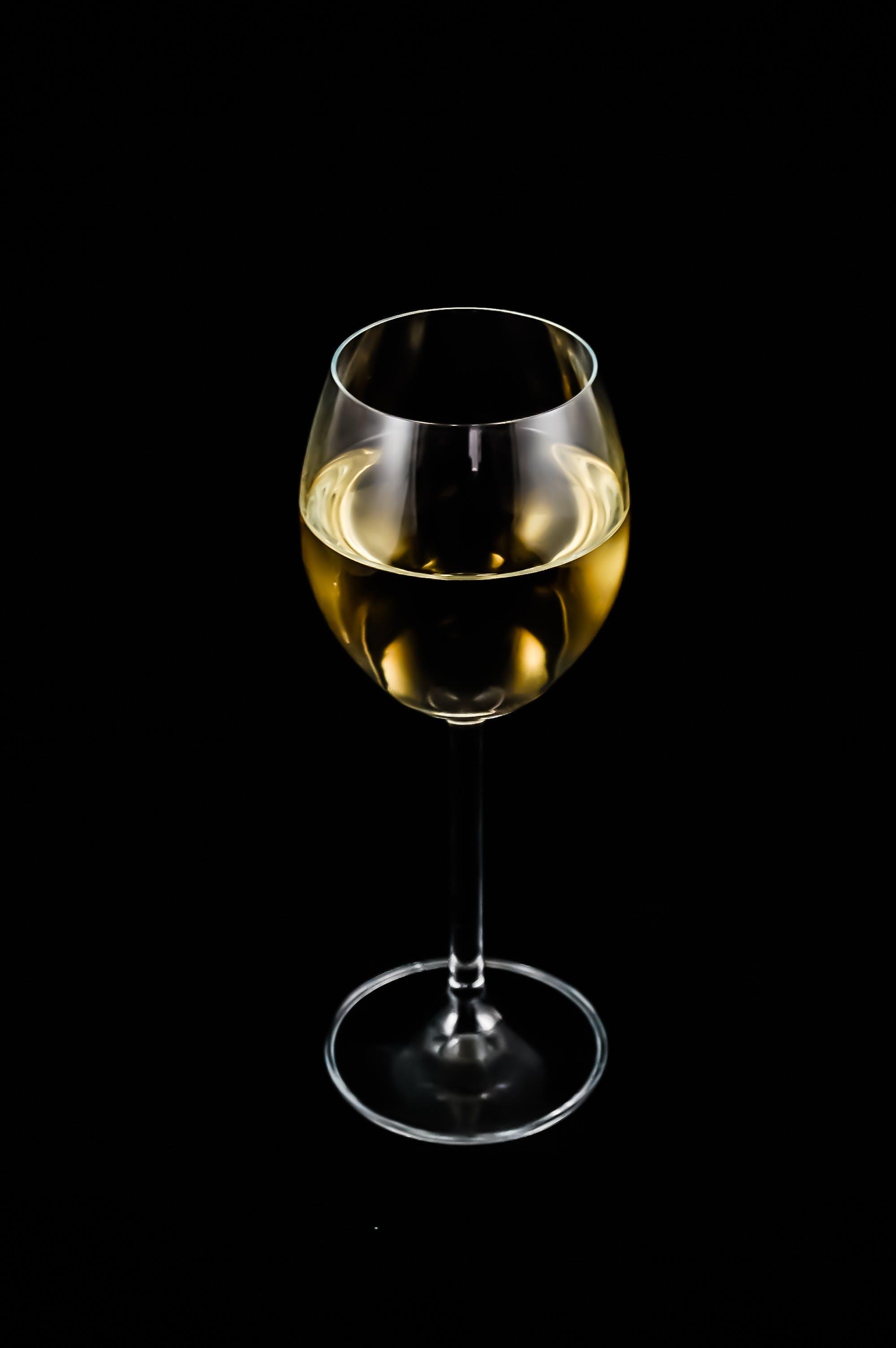 Ingyenes stockfotó alkohol, bor, borospohár, fehérbor témában
