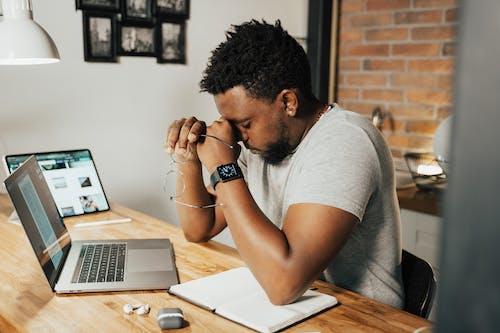 Ilmainen kuvapankkikuva tunnisteilla afrikkalainen amerikkalainen poika, afroamerikkalainen mies, aikuinen