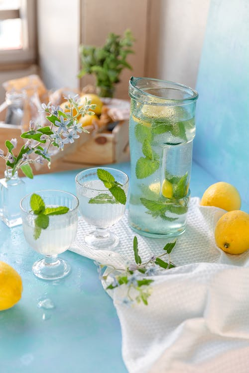 Clear Drinking Glass With Ice and Lemon