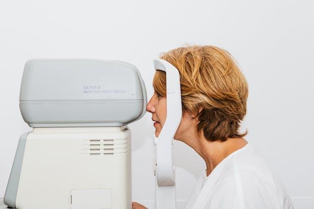 視網膜剝離 檢查