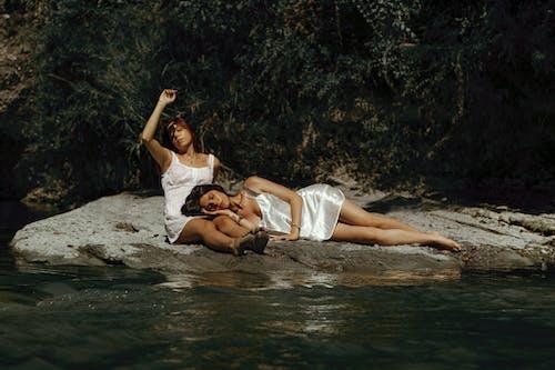 Безкоштовне стокове фото на тему «альтернативний, безтурботний, берег, близький»