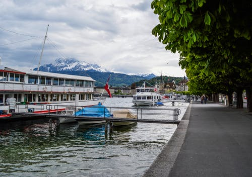 Gratis lagerfoto af anløbsbro, båd, badebro