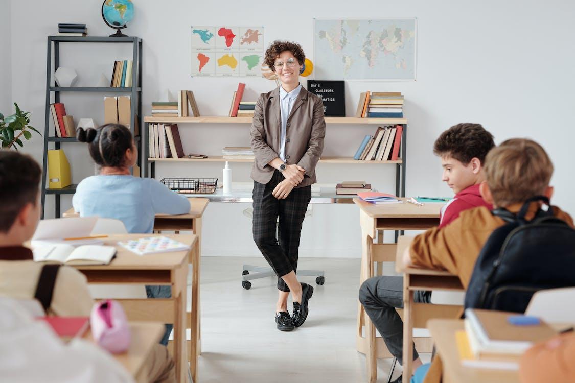việc làm trong ngành giáo dục tại Canada và cơ hội phục hồi sau dich