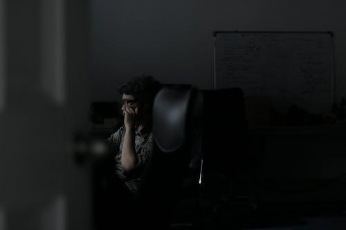 Безкоштовне стокове фото на тему «веб-розробник, офіс, праця, програміст»