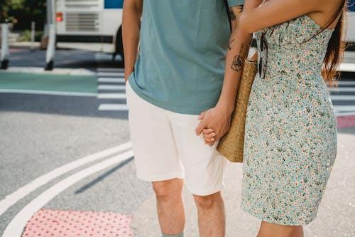 Gratis stockfoto met affectie, amour, anoniem, asfalt