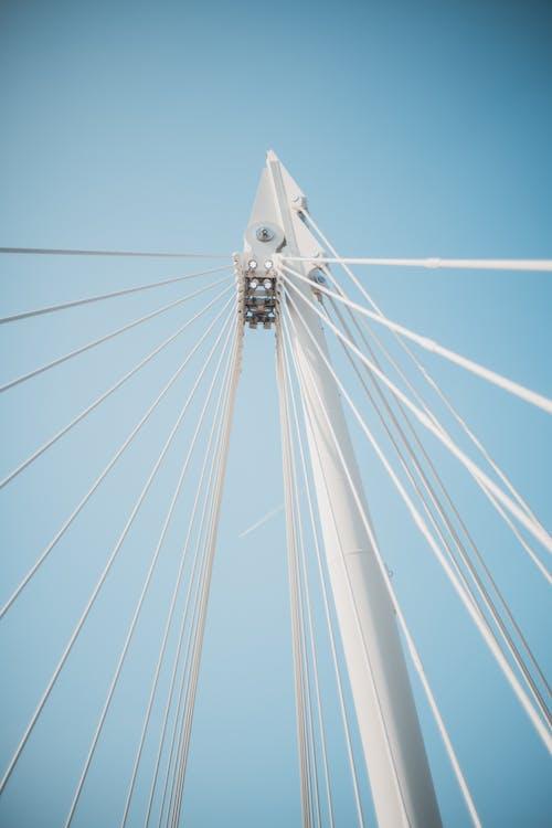 Безкоштовне стокове фото на тему «архітектура, блакитне небо, блакитний фон»