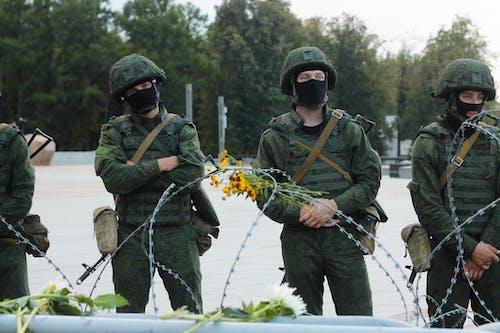 Безкоштовне стокове фото на тему «військовий, групувати, камуфляж»