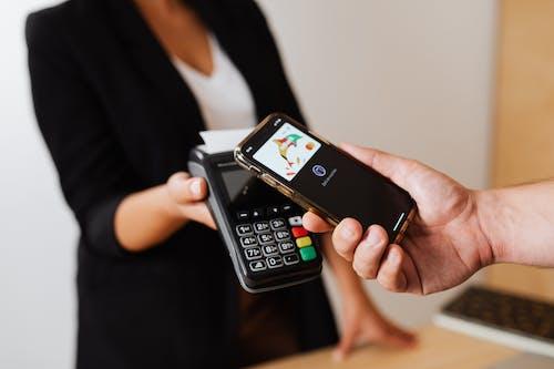 결제, 손, 스마트폰의 무료 스톡 사진