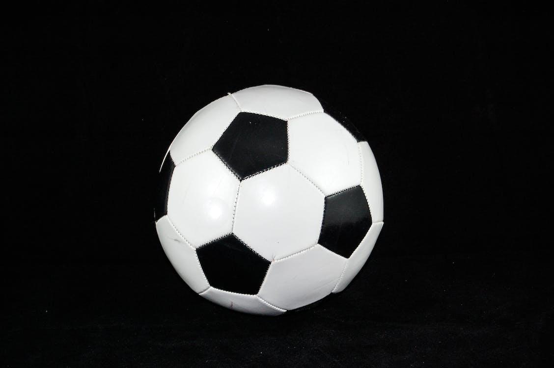 Futbol, Futbol topu, spor