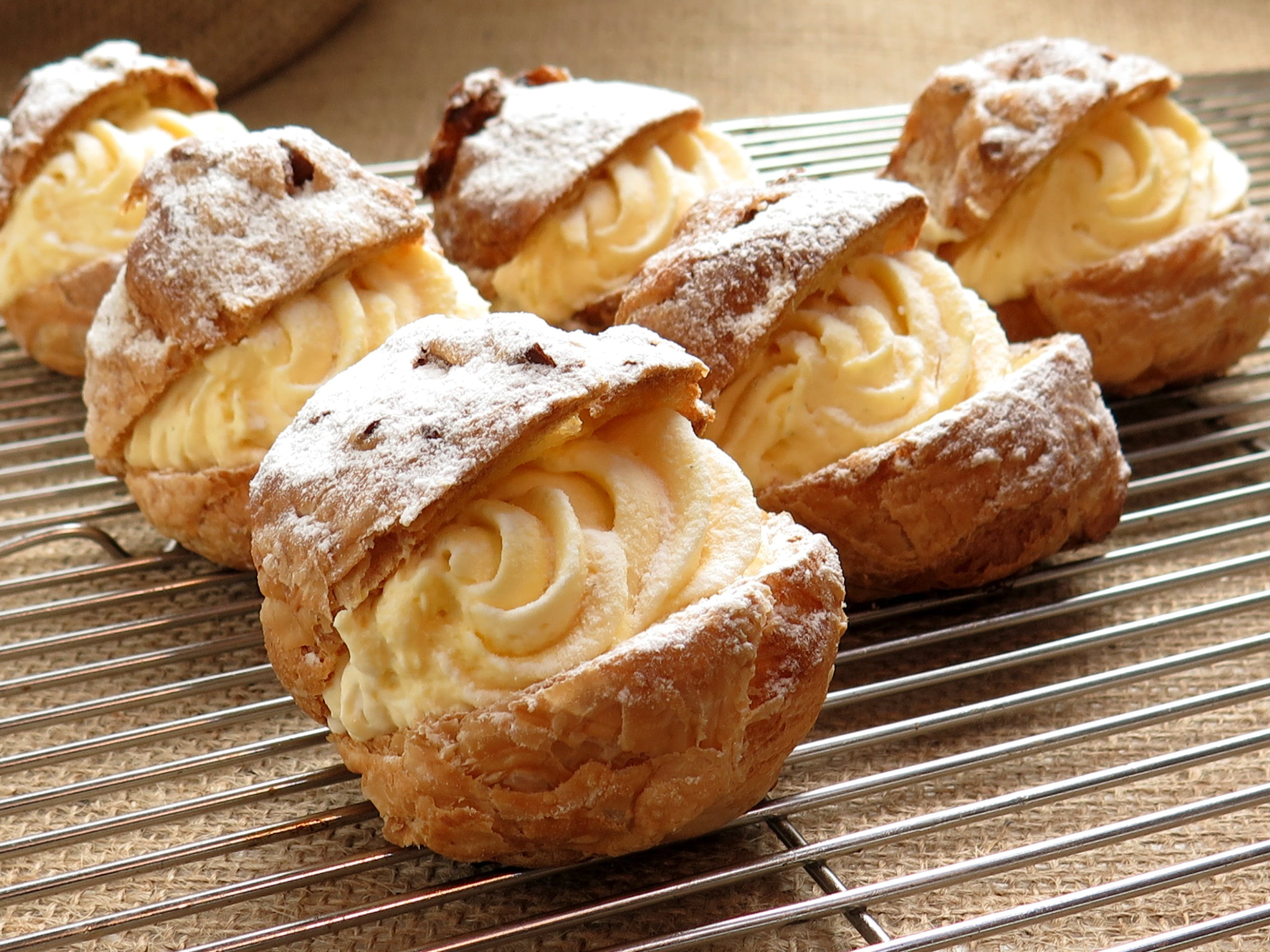 Bake Pastries With White Cream Fillings