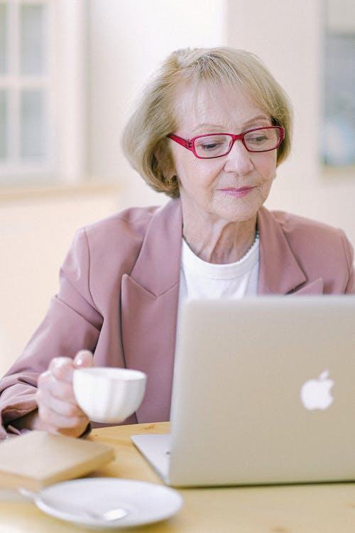 Immagine gratuita di anziano, assegno, carriera, cercare