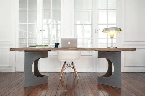 Foto d'estoc gratuïta de apartament, buit, cadira