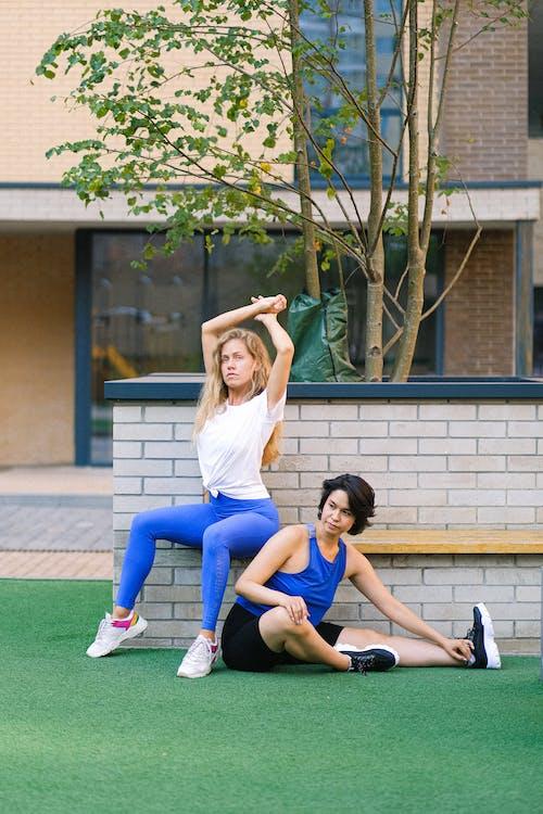 คลังภาพถ่ายฟรี ของ activewear, sportswomen, กลางแจ้ง