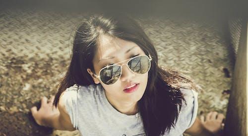 亞洲女人, 亞洲女孩, 墨鏡, 夏天 的 免費圖庫相片