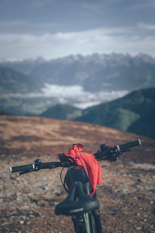 Foto d'estoc gratuïta de a l'aire lliure, alt, aventura