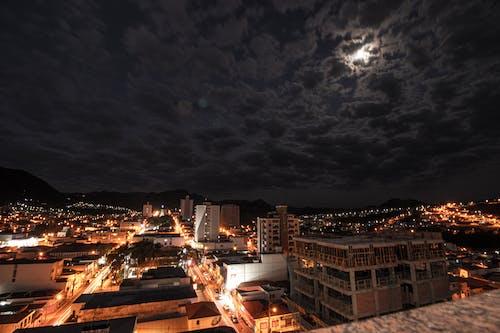 Бесплатное стоковое фото с архитектура, вечер, вода, город