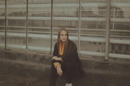 Základová fotografie zdarma na téma bez emocí, citlivý, držení těla, individualita