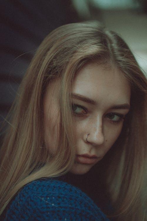 Základová fotografie zdarma na téma atraktivní, bez emocí, blond, citlivý