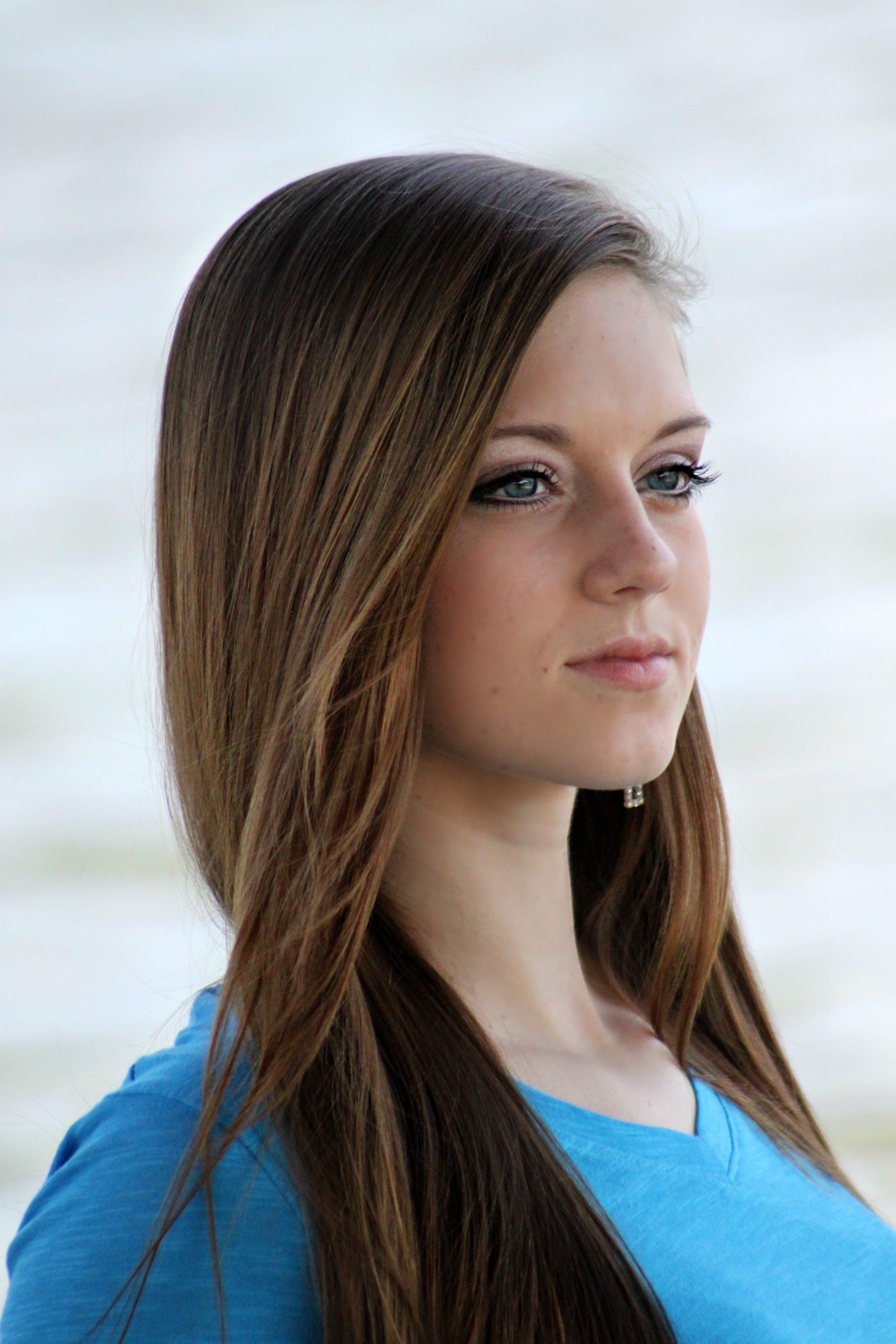 https://images.pexels.com/photos/53000/girl-beautiful-young-face-53000.jpeg?auto=compress&cs=tinysrgb&dpr=2&h=650&w=940
