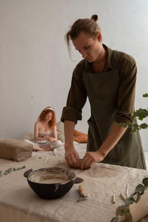 คลังภาพถ่ายฟรี ของ clayware, craftswoman, กระบวนการ, การก่อตัว