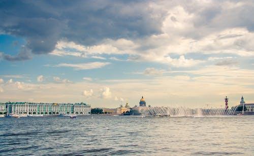 Immagine gratuita di acqua, cielo, edifici, grattacieli