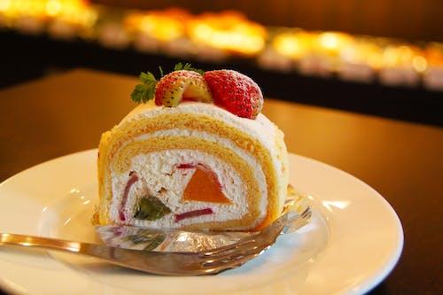 叉子, 甜點, 生日蛋糕, 盤子 的 免費圖庫相片
