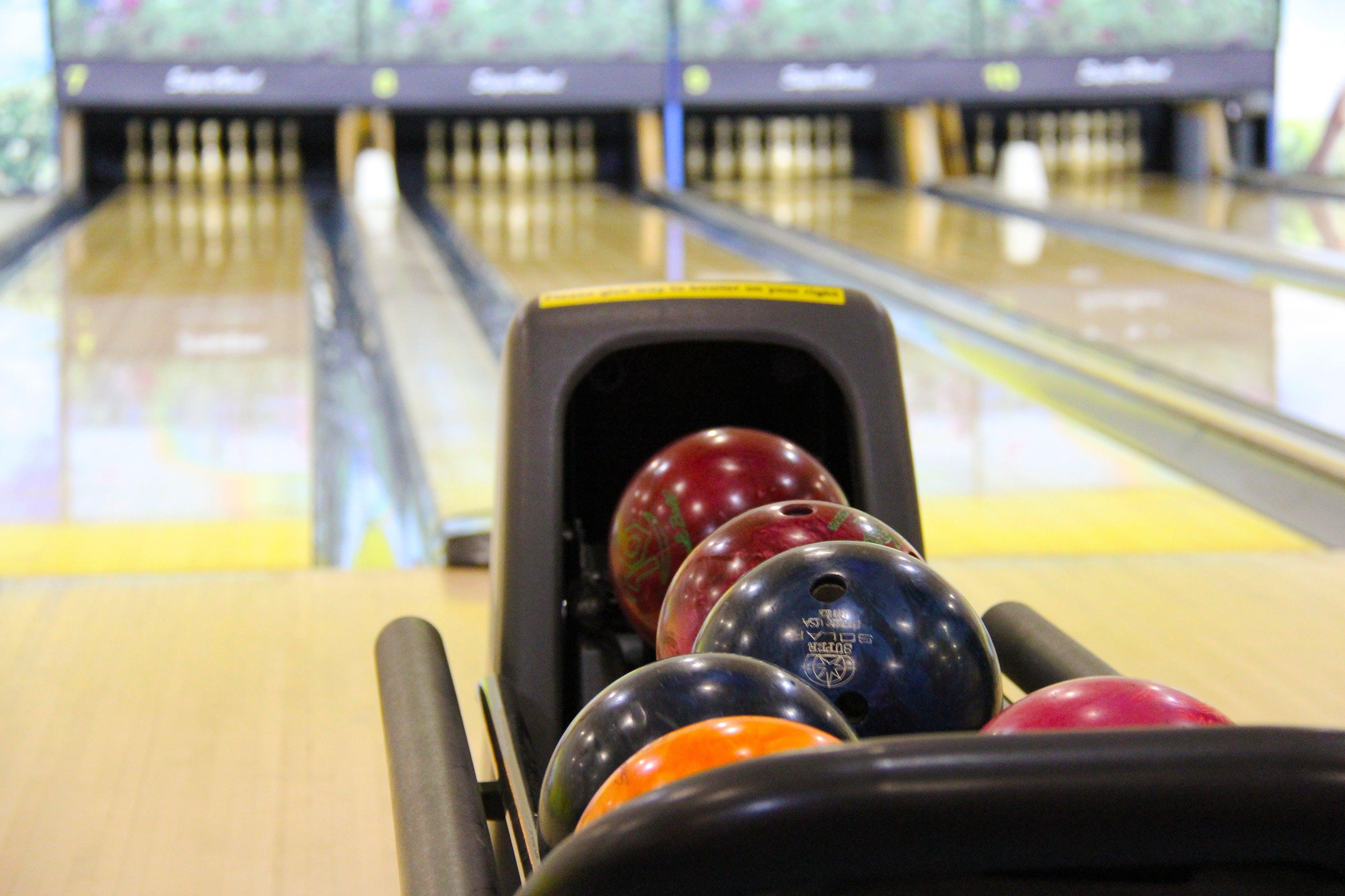 Gratis stockfoto met bordspel, bowling, bowlingballen, sport