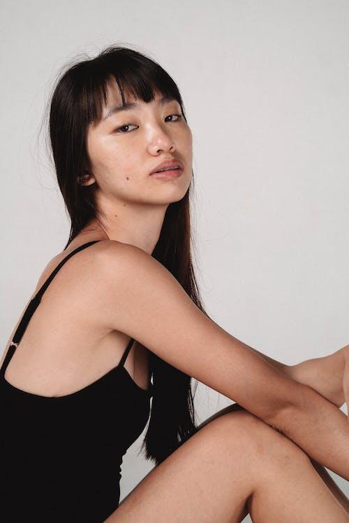 Kostnadsfri bild av asiatisk kvinna, attraktiv, charmig, drömmande