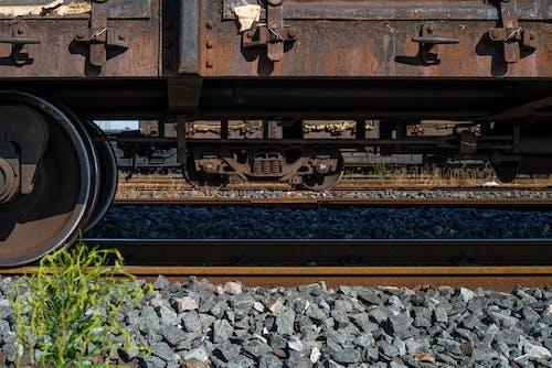 Základová fotografie zdarma na téma nadzemní vlak, vlaková stanice, železniční silnice