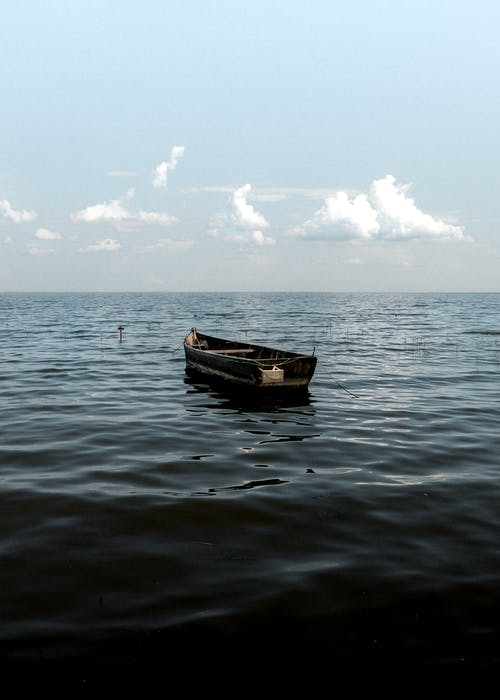 Бесплатное стоковое фото с весельная лодка, вода, водный транспорт, закат