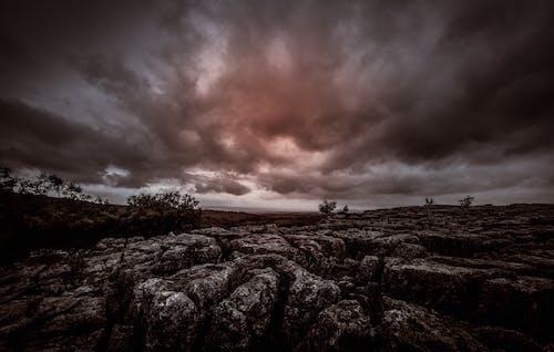 Fotobanka sbezplatnými fotkami na tému arídny, búrka, dramatický, erózia