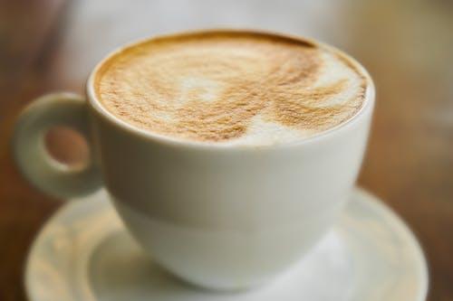 Kostenloses Stock Foto zu becher, braun, cappuccino, detail
