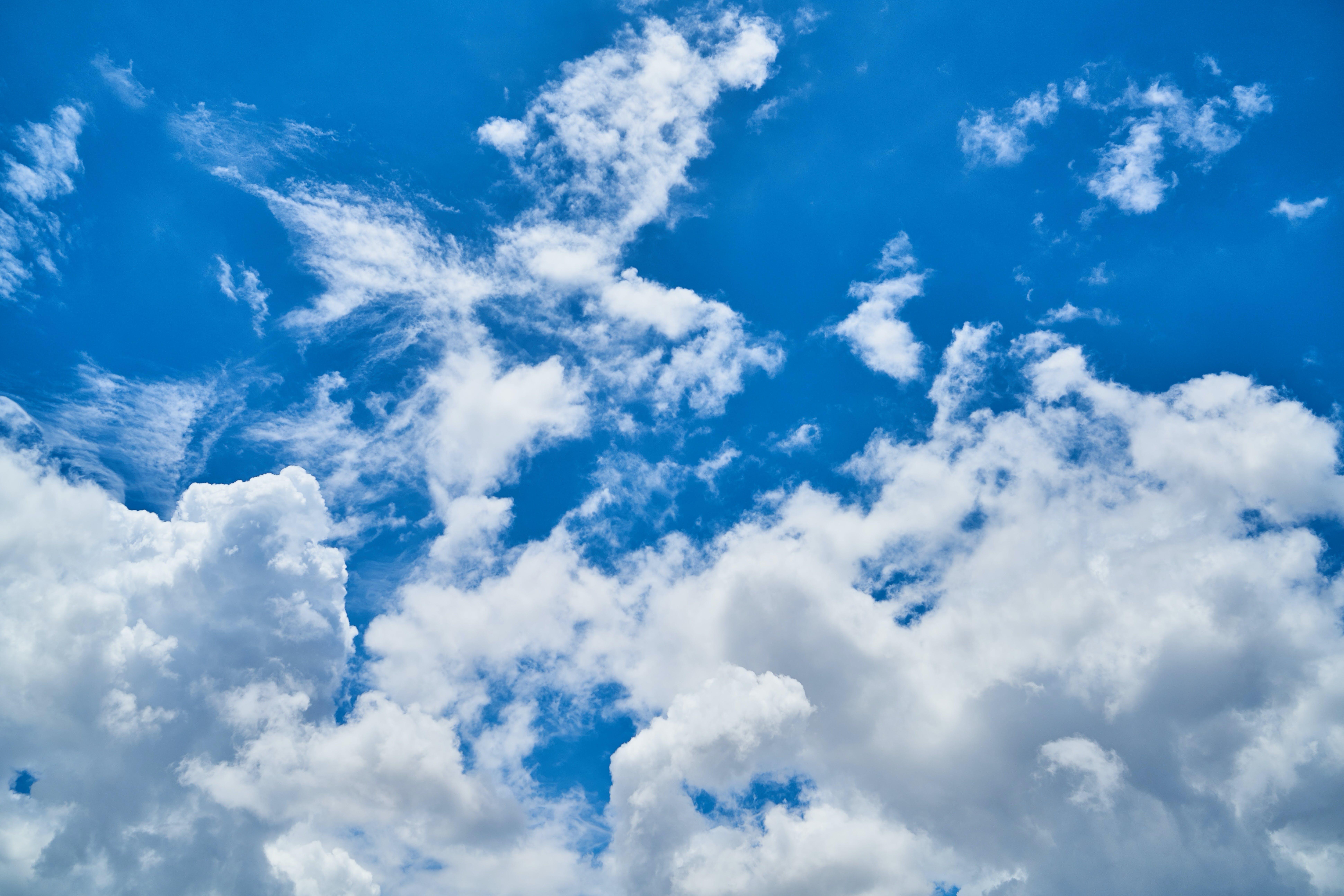 Fotobanka sbezplatnými fotkami na tému atmosféra, biela, biele oblaky, čerstvý
