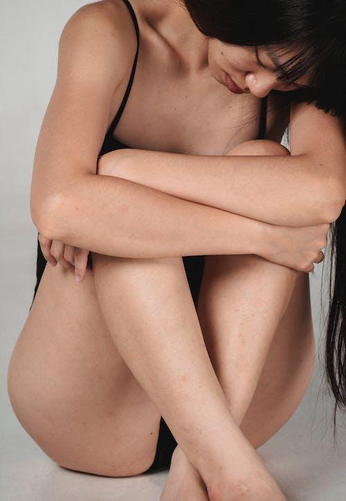 Gratis stockfoto met aanlokkelijk, aantrekkelijk mooi, Aziatische vrouw, beeldje