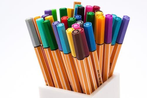 Fotobanka sbezplatnými fotkami na tému farbiace perá, farby, farebné perá, farebný