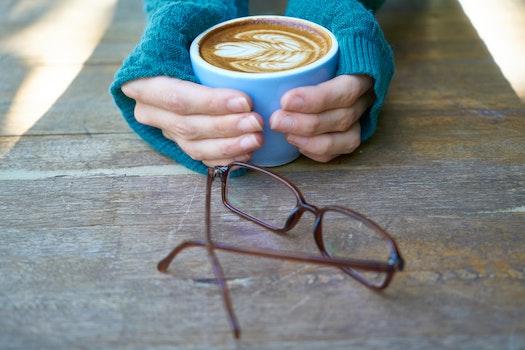 Free stock photo of wood, hands, caffeine, coffee