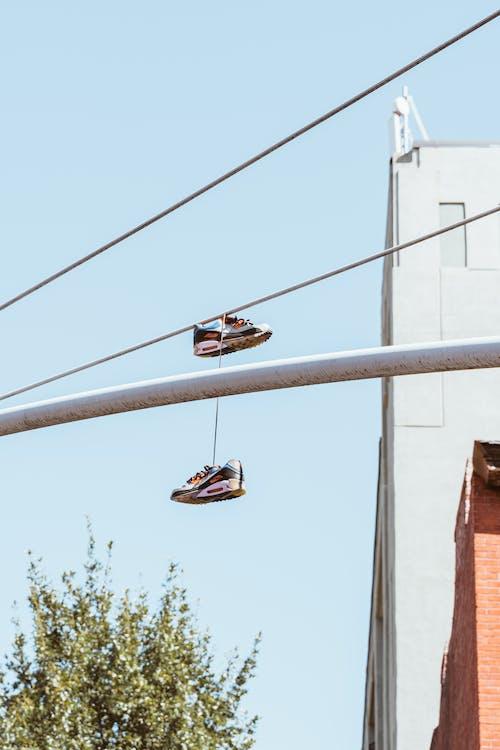 Δωρεάν στοκ φωτογραφιών με αθλητικά παπούτσια, αίθριος, αρμονία, αστικός
