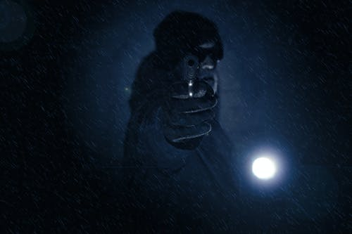 Foto d'estoc gratuïta de assassí, Colt, neu que cau