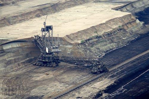 Kostnadsfri bild av brun kolbrytning, brunkol, bulldozer, dagbrott