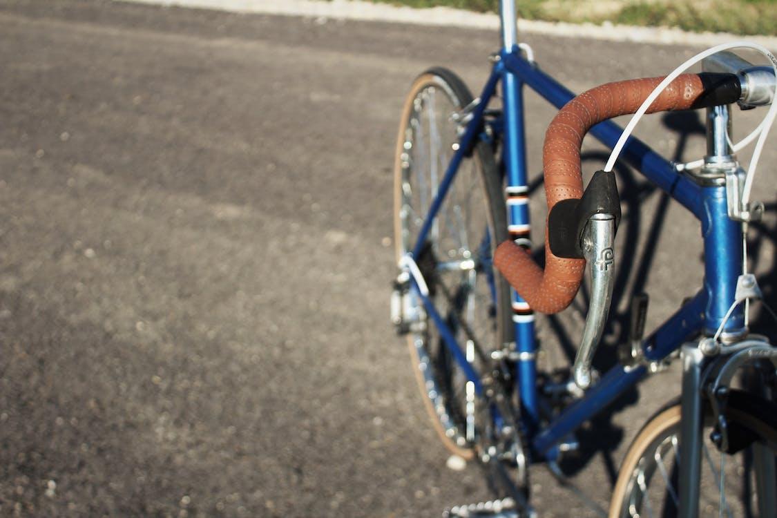 bisiklet, bisiklet gövdesi, bisiklet iskeleti içeren Ücretsiz stok fotoğraf