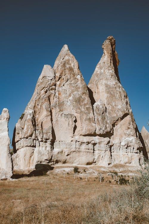 Kostenloses Stock Foto zu alt, blaue himmel, cappadocia