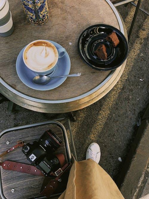Kostenloses Stock Foto zu blitz, café, dämmerung, dunkel