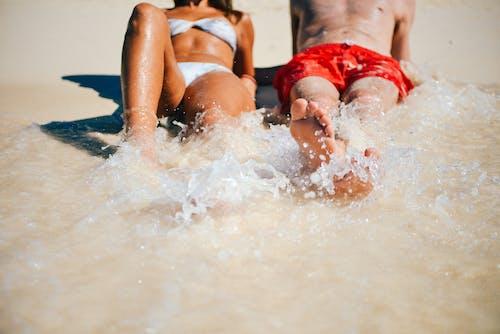 Foto profissional grátis de água, amor, areia, atraente